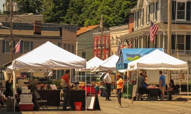 The weekly Farm Market operates on Sundays near the entrance to the Heritage Trail.